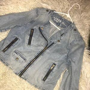 Gap denim wash jacket ✨